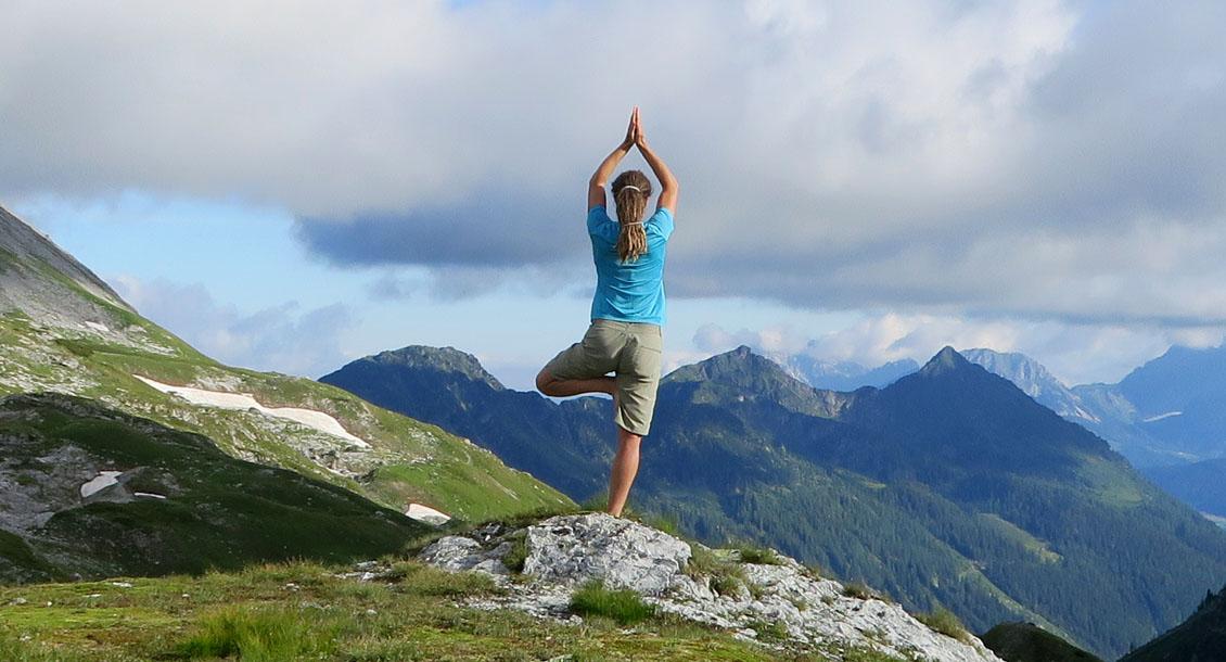 Hoch Yoga
